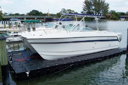 Multi-Hull Floating Pontoon Boat Lifts   Expertly Designed Tritoon